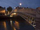 Half Penny Bridge Over Liffey River  Dublin  County Dublin  Republic of Ireland