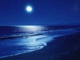 Pleine lune au-dessus de la mer Papier Photo