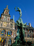 Brabo Fountain and Town Hall  Antwerp  Eastern Flanders  Belgium