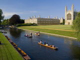 Punting on The River Cam  Kings College  Cambridge  England
