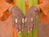 Young Indian Girl with Hennaed Hands  Jaipur  Rajasthan  India