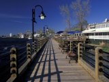 Water Street Walkway along Cape Fear River  Wilmington  North Carolina