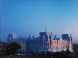 Reichstag Ost und Nordfassade in Abenddammerung