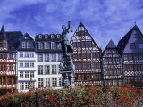 Statue  Garden and Building Facade  Frankfurt  Germany