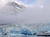 Cruise Ship  Reid Glacier  Glacier Bay  AK