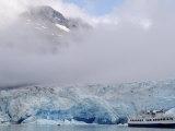 Cruise Ship  Reid Glacier  Glacier Bay  AK