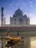 Gondola in Front of Taj Mahal  Agra  India
