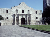 Main Entrance of the Alamo  San Antonio  TX