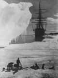 """Antarctic Expedition of Robert Scott on Ice with Ship """"Terra Nova"""" Anchored in Background Papier Photo"""