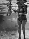 World's Youngest Swimmer Julie Sheldon  9 Weeks Old  Swimming Underwater