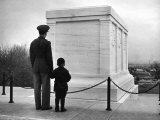 Captain Roger D Reid Visiting the Unknown Soldier&#39;s Tomb with His Son