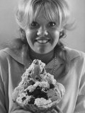Hayley Mills Reacting to a 20 Scoop Ice Cream Sundae