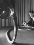 Dr Walter P Siegmund American Optical Co Scientist Demonstrating Fiber Optics