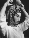 Sung Dynasty Leading Actress Wang Kum Oi Holding Her Head Gear During the Live Performance