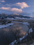 Scenic Twilight View of the Yellowstone River and Paradise Valley