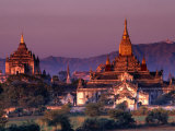 Thatbyinnyu Pahto (Left) and Anando Pahto Temples at Sunset  Old Bagan  Mandalay  Myanmar (Burma)
