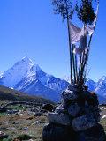 Ama Dablam Peak and Chorten in Khumbu Valley on the Everest Basecamp Trek  Khumbu  Nepal