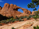 Skyline Arch  Arches National Park  Arches National Park  Utah  USA