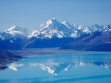 Aoraki  Mt Cook and Lake Pukaki  South Canterbury  South Island  New Zealand