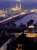 Yeni Mosque and the Galata Bridge  Istanbul  Turkey