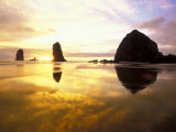 Needles and Haystack at Sunset  Cannon Beach  Oregon  USA