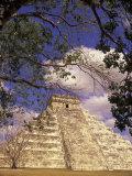 Chichen Itza  El Castillo Pyramid  Yucatan Peninsula  Mexico