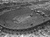 Fans Jam Philadelphia&#39;s Jfk Stadium During the Live Aid Concert