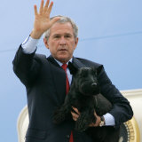 President Bush Steps Down from Air Force One