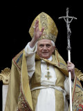 Pope Benedict Xvi Delivers His &#39;&#39;Urbi Et Orbi&#39;&#39; Message