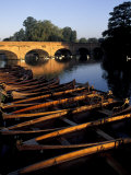 Clopton Bridge on River Avon  Stratford-on-Avon  England