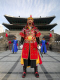 Guards of Gate at Namdaemun Gate  Seoul  South Korea