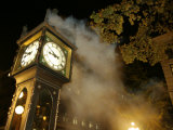 Gastown&#39;s Famous Steam-Powered Clock  Vancouver  Canada