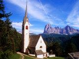 San Giacomo Church and Sassolungo Range Across Val Gardena  Dolomiti Di Sesto Natural Park  Italy