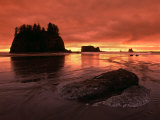 Sunset on Sea Stacks of Second Beach  Olympic National Park  Washington  USA