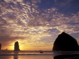 Needles and Haystack Rock  Cannon Beach  Oregon  USA