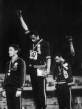 African American Track Star Tommie Smith, John Carlos After Winning Gold and Bronze Olympic Medal Aluminium par John Dominis