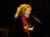Singer and Songwriter Carole King Performing
