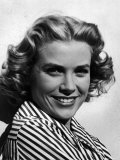 Excellent Close Up Portrait of Movie Actress  Grace Kelly