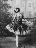 Signed Portrait of Russian Ballet Dancer Anna Pavlova Striking Pose on Stage at the Imperial Palace