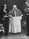 Queen Elizabeth Visiting Pope John XXIII