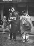 """Two Blind Panhandlers Singing """"Home Sweet Home"""" and """"Yankee Doodle"""" in Petticoat Lane Free Market"""