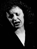 Edith Piaf Singing Expressively