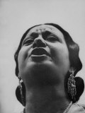 "Egyptian Actress Om Kalthoum  While Singing on Cairo's ""Voice of Arabs"" Radio Show"