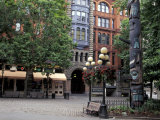 Pioneer Building and Totem Pole in Pioneer Square  Seattle  Washington  USA