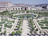Beautiful Ornamental Garden in Front of Gorgeous Palace
