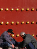 Men Playing Checkers at Tiantan Park  Beijing  China
