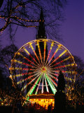 Scott Monument and Christmas Ferris Wheel in Princes Street Gardens  Edinburgh  United Kingdom