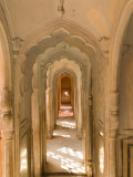 Hallway of The Palace of the Winds, India Reproduction d'art par Walter Bibikow