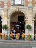 Sidewalk Cafe in the Marais  Paris  France