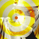 Yellow Target on Researcher&#39;s Petri Dish